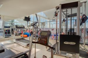 The fitness centre and/or fitness facilities at Blue Tree Towers Caxias do Sul