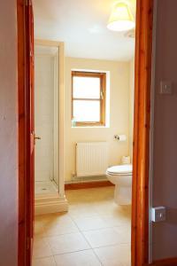 A bathroom at Portway Inn
