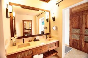 Um banheiro em Cabo Surf Hotel