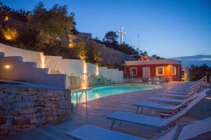 Piscina di Monte Sarago Villas o nelle vicinanze