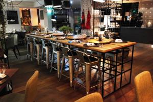 En restaurant eller et spisested på Clarion Hotel Admiral
