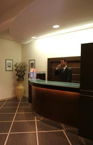 The lobby or reception area at Hotel Garda