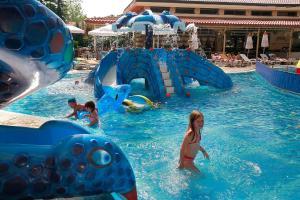 Бассейн в Hotel Alba - All inclusive или поблизости
