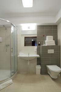A bathroom at Hotel Silver