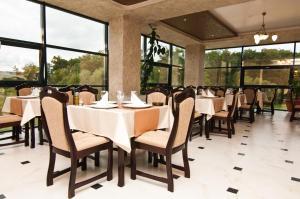 Un restaurant sau alt loc unde se poate mânca la Hotel Hyperion