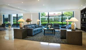 The lobby or reception area at Elegant Suites Westlake