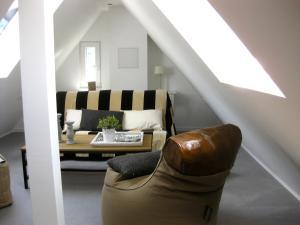 Een zitgedeelte bij Landhaus Moselschön