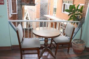 Ein Balkon oder eine Terrasse in der Unterkunft Mount Annapurna Guest House