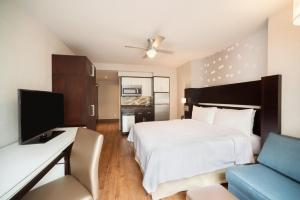 Un ou plusieurs lits dans un hébergement de l'établissement Homewood Suites Midtown Manhattan Times Square South