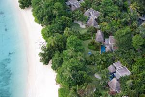 Blick auf Anantara Maia Seychelles Villas aus der Vogelperspektive