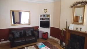 A seating area at Arran House Hotel
