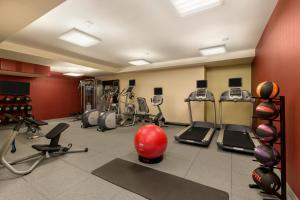 The fitness centre and/or fitness facilities at Hilton Garden Inn New York Manhattan Midtown East