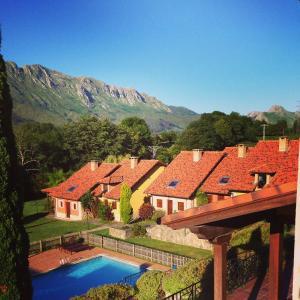 Vista de la piscina de Hotel Rural La Lluriga o alrededores
