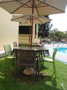 The swimming pool at or near Rancho Hotel Atascadero
