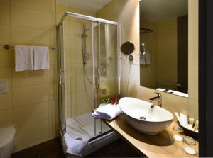 Ванная комната в Santé Royale Hotel- & Gesundheitsresort Warmbad Wolkenstein