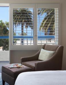 Вид на бассейн в Ocean View Hotel или окрестностях