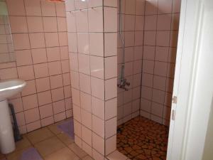 Um banheiro em Pension Chalet Tipanier