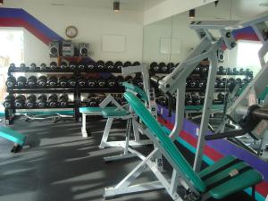 The fitness center and/or fitness facilities at Island Resort