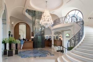The lobby or reception area at Hôtel Royal