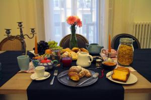 Breakfast options available to guests at B&B Verdi