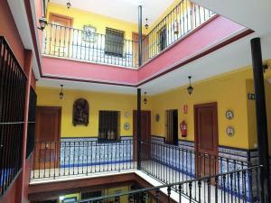 A balcony or terrace at Pensión Macarena