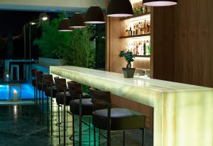 The lounge or bar area at Samaria Hotel