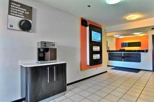 A kitchen or kitchenette at Motel 6-Gilman, IL