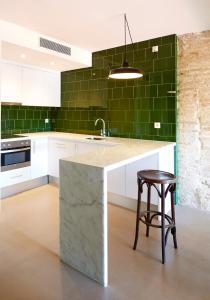 A kitchen or kitchenette at Hotel Restaurant Lotus Priorat