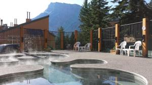 The swimming pool at or close to Douglas Fir Resort & Chalets