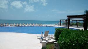 Piscina en o cerca de One bedroom condo on the beach at Amara Cancun