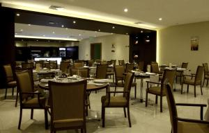 A restaurant or other place to eat at Hotel Diego de Almagro Temuco