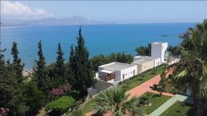 Utsikt over sjøen, enten fra hotellet eller fra et annet sted