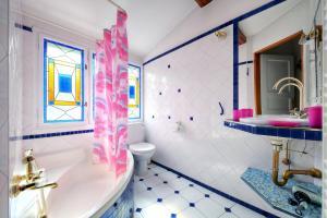 Ein Badezimmer in der Unterkunft Apartment Konvikt