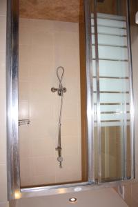 A bathroom at Hotel Acropolis