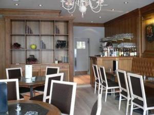 Лаундж или бар в Hotel La Pomme D'or
