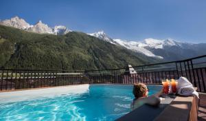 The swimming pool at or near Park Hotel Suisse & Spa