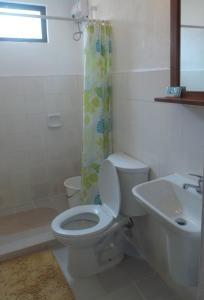 A bathroom at Sun Villa Beachfront Resort & Spa