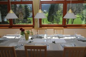 Restaurant o un lloc per menjar a Villa Schnuck - das rote Ferienhaus