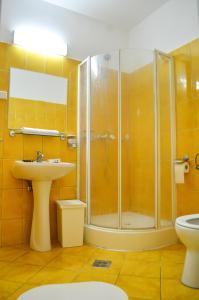 A bathroom at Casa Transilvania