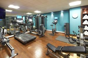 The fitness center and/or fitness facilities at Novotel London Tower Bridge