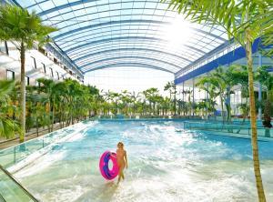 Der Swimmingpool an oder in der Nähe von Hotel Nummerhof