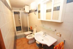 A bathroom at Casa Vacanze Mistral