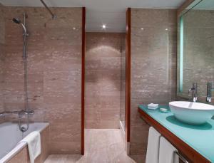 A bathroom at Hilton Diagonal Mar Barcelona