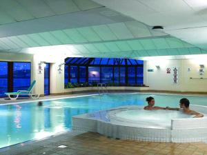 The swimming pool at or close to Best Western Palace Hotel & Casino