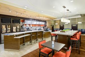 A restaurant or other place to eat at Courtyard by Marriott Buffalo Downtown/Canalside