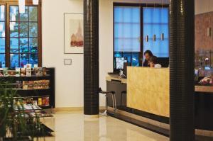 Hol lub recepcja w obiekcie Hotel Pod Lwem