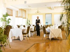 A restaurant or other place to eat at The Sefton