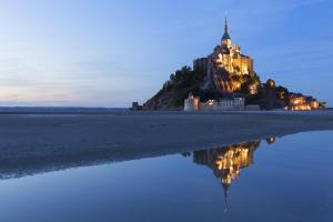The swimming pool at or close to Mercure Mont Saint Michel