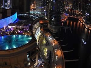 Uitzicht op het zwembad bij Address Dubai Marina of in de buurt