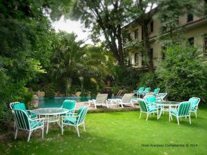 The swimming pool at or near Hotel Aranjuez Cochabamba